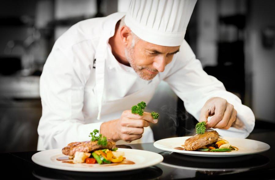 Znani kucharze to mężczyźni, choć w domu gotują głównie kobiety…