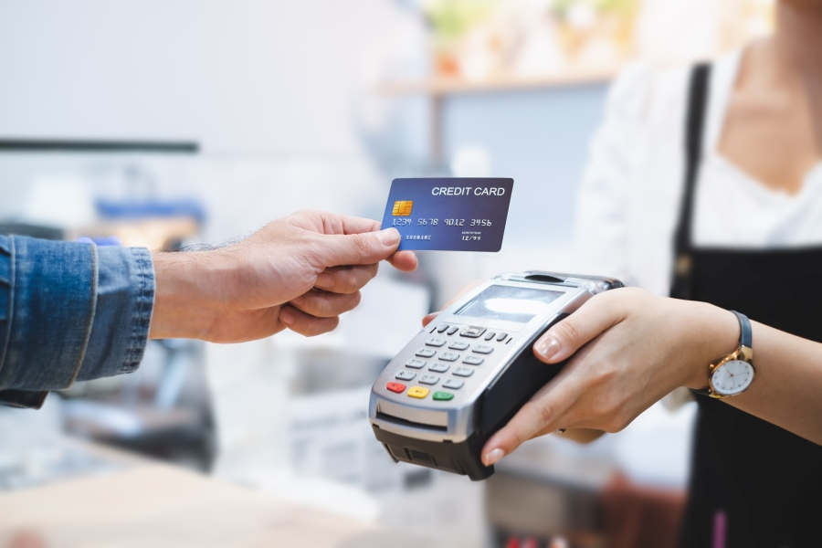 Pułapki kart kredytowych, na które trzeba uważać