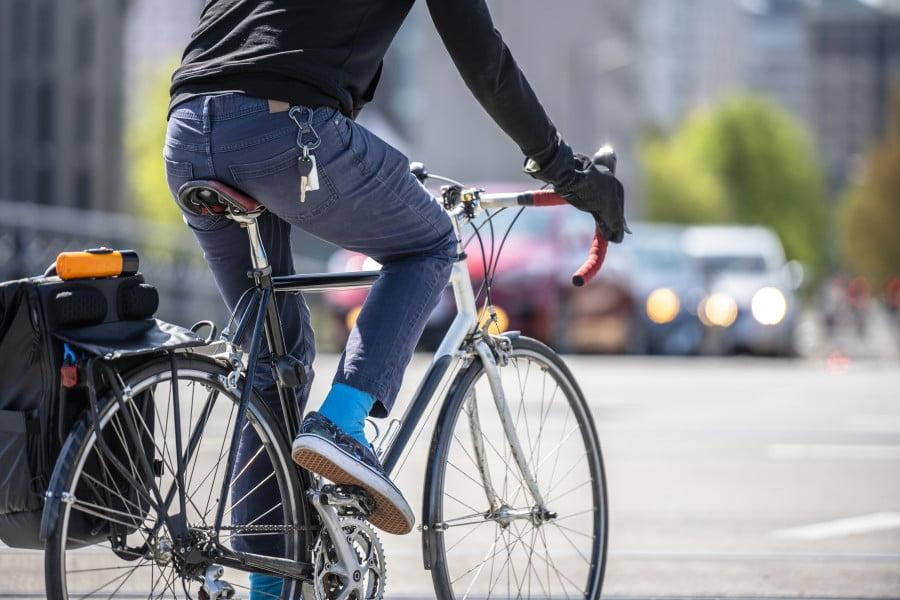 Przepisy dla rowerzystów – kto ma gdzie pierwszeństwo?