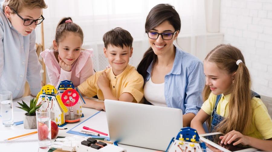 Programowanie dla nastolatków – zabawa z przyszłością