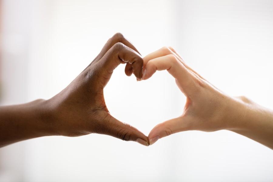 Jak przeciwdziałać rasizmowi?