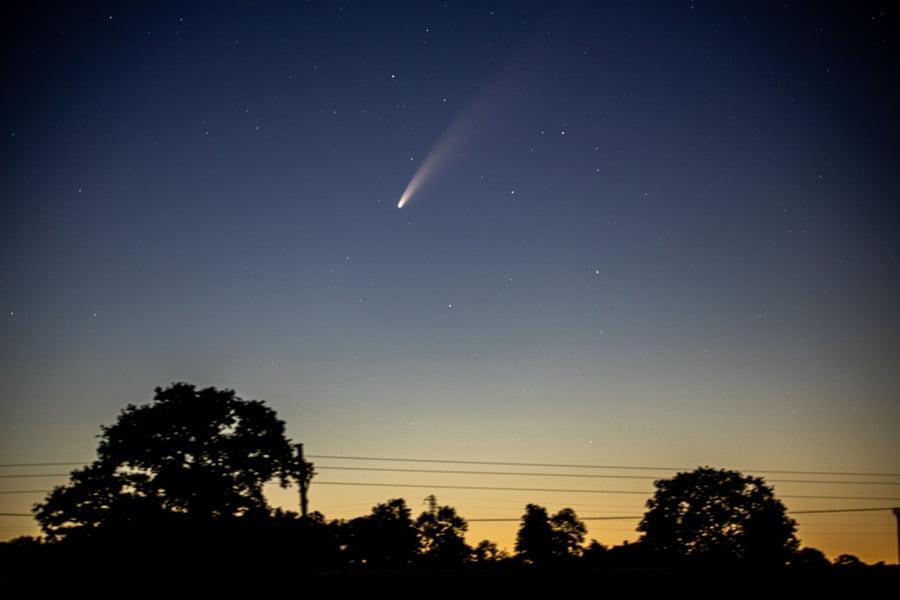 Kometa NEOWISE widoczna w 2020 r.