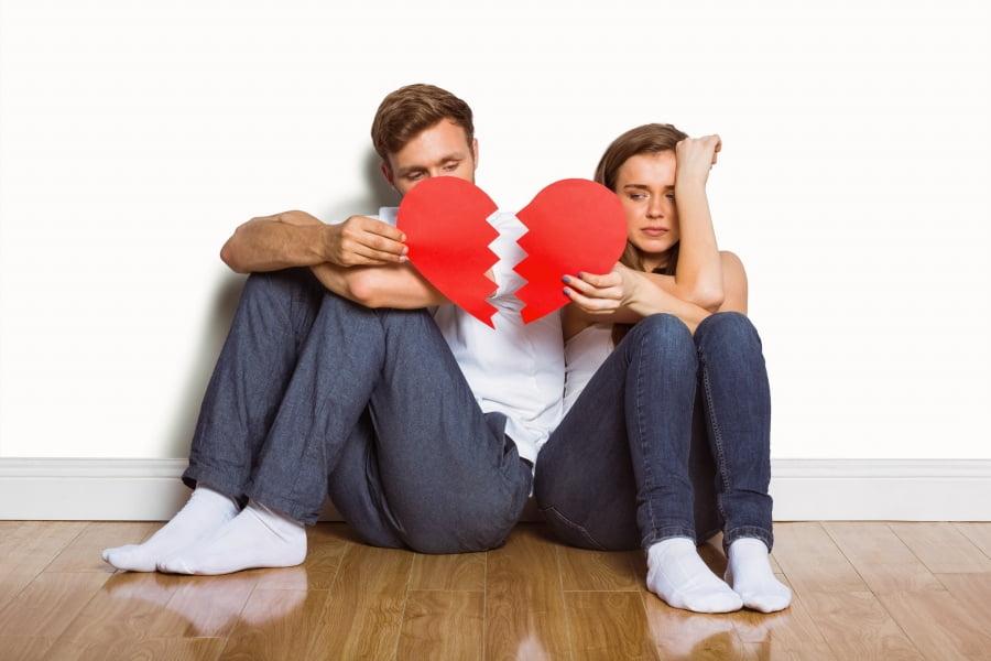 Jak sobie radzić z rozstaniem? Czy można zostać przyjaciółmi?