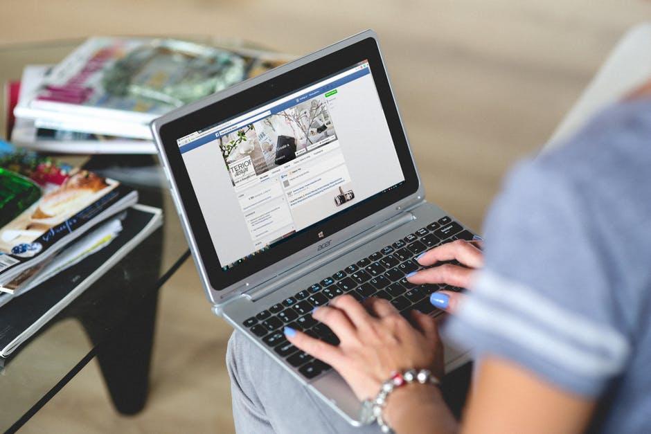Jak mądrze używać Facebooka?