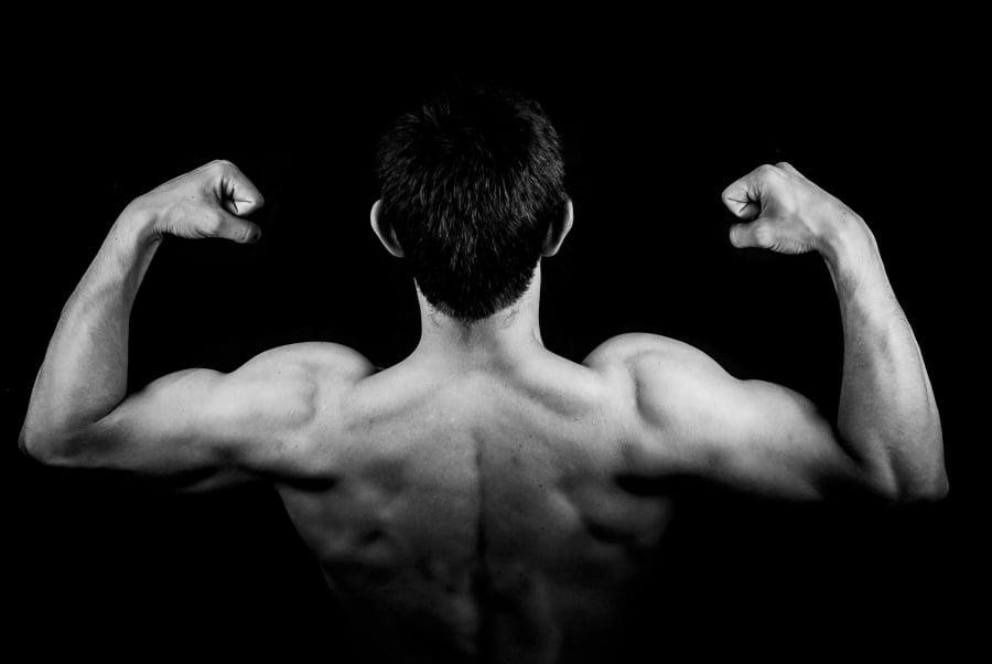 Najlepsze ćwiczenia na biceps i triceps