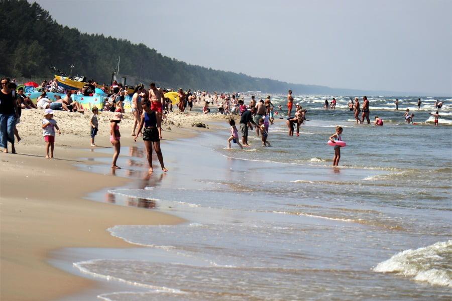 Wakacje 2020. Sytuacja nad Bałtykiem i na plażach w innych krajach