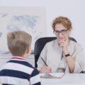 rozmowa ucznia z nauczycielem