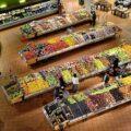 Supermarket, stoisko z owocami i warzywami